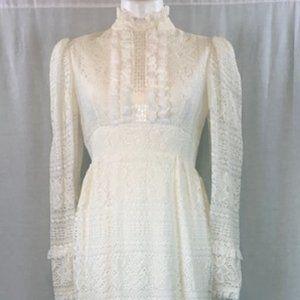 BOHO Vintage Lace Beach Wedding Dress
